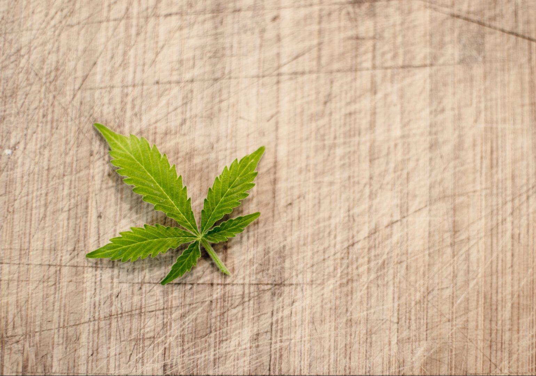 marijuana-3065621_1920