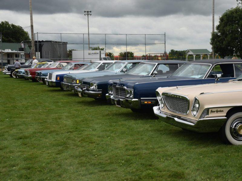 Exposition de voitures anciennes lors de la Fête St-Mathieu